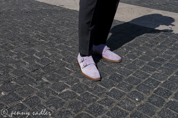 purple-shoes-rome