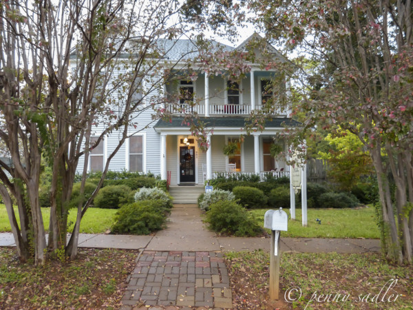 from Palestine Texas : Fig Tree Manor @PennySadler 2013