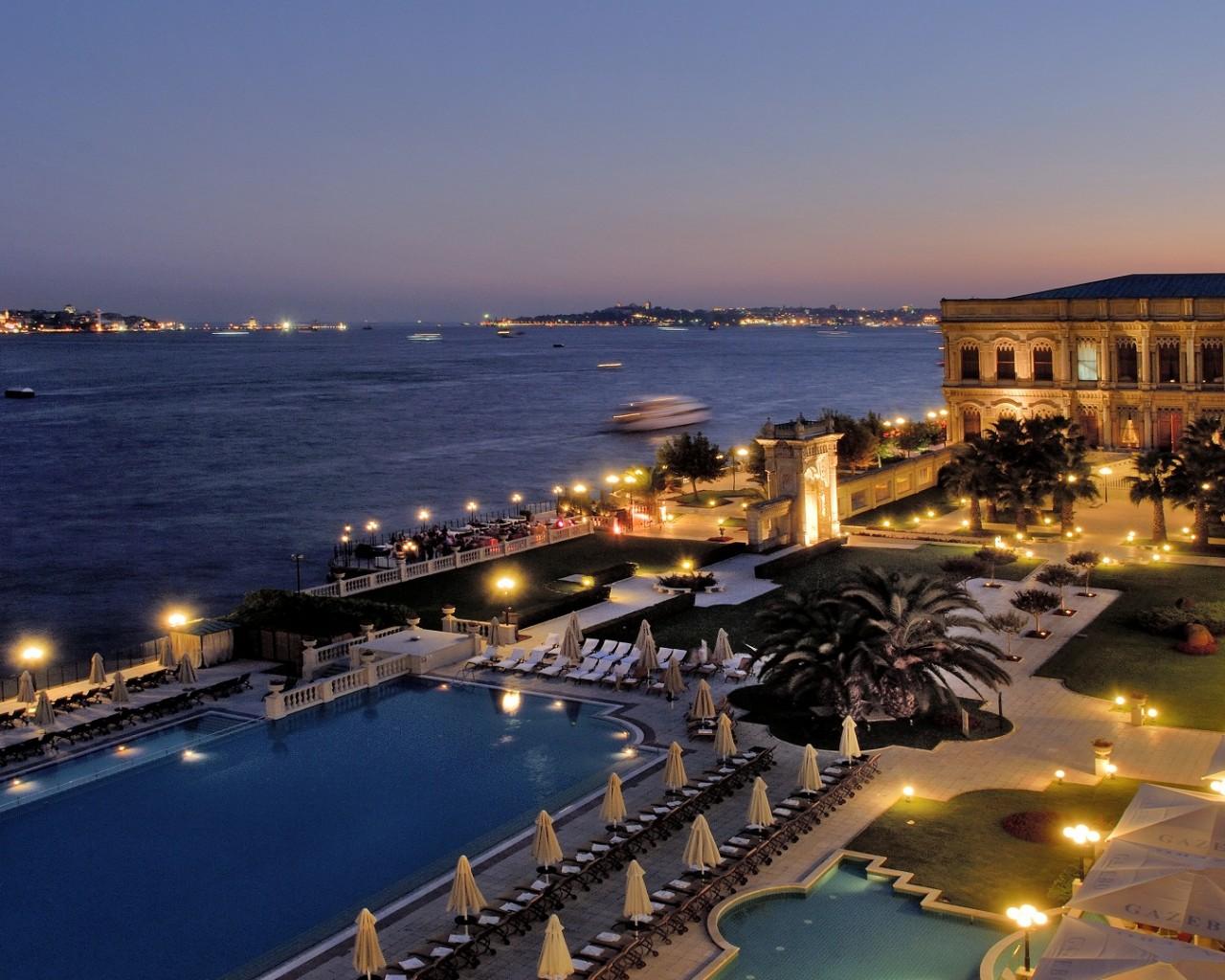 Kempinski Istanbul Ciragan Palace Hotel, story on adventuresofacarryon.com