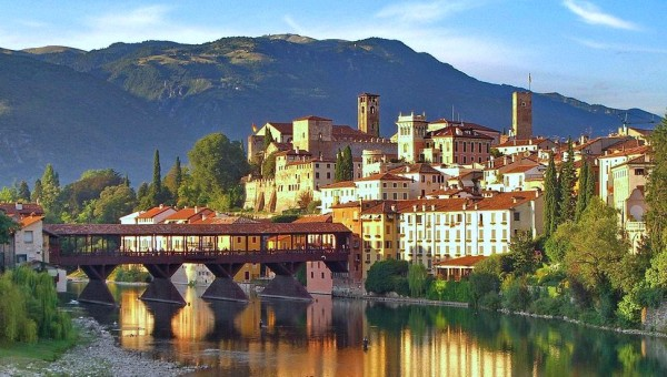 How to spend a romantic day in Bassano del Grappa, Italy