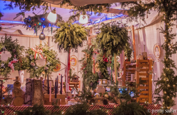Discover An Old World Christmas market in Wisconsin @PennySadler 2016