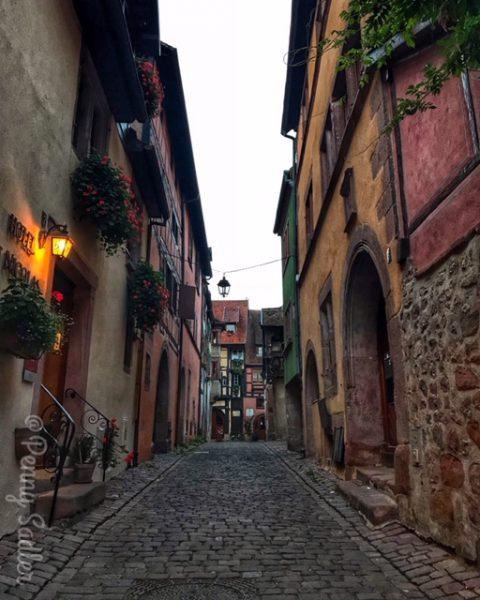 Charming side street in Riquewihr, Alsace ©PennySadler
